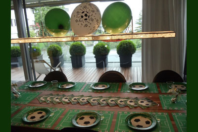 Table setting for football fans